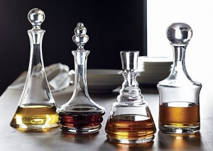 capacity-share-whiskey-decanter-set