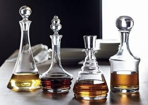 capacity-share-whiskey-decanter-set