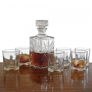 sparta-whiskey-decanter-set